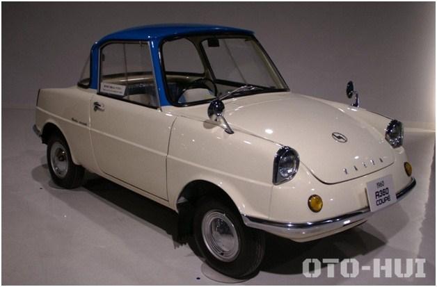 Mẫu xe 4 bánh đầu tiên của hãng- Mazda R360