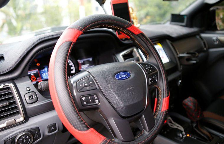 Top 10 phụ kiện cần thiết cho xe ô tô