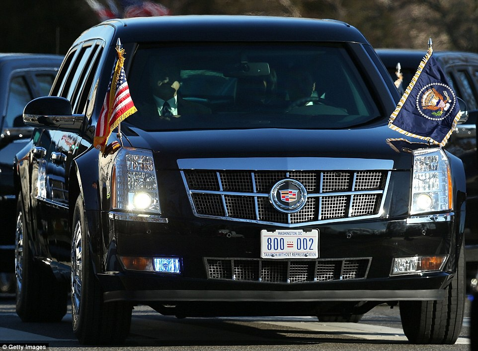 The Beast 2.0 - Limousine của Tổng thống Donald Trump .