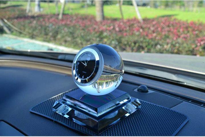 Nước hoa để xe ô tô (dầu thơm xe hơi)