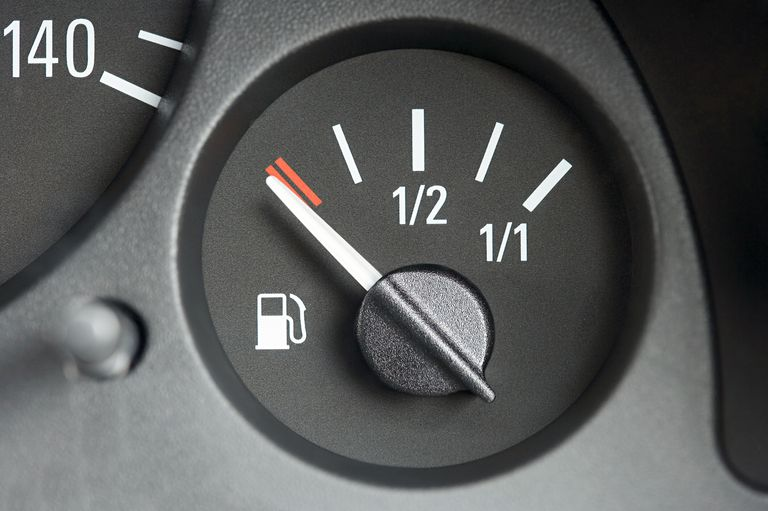 Cấu tạo, nguyên lý và cách kiểm tra đồng hồ báo nhiên liệu trên ô tô