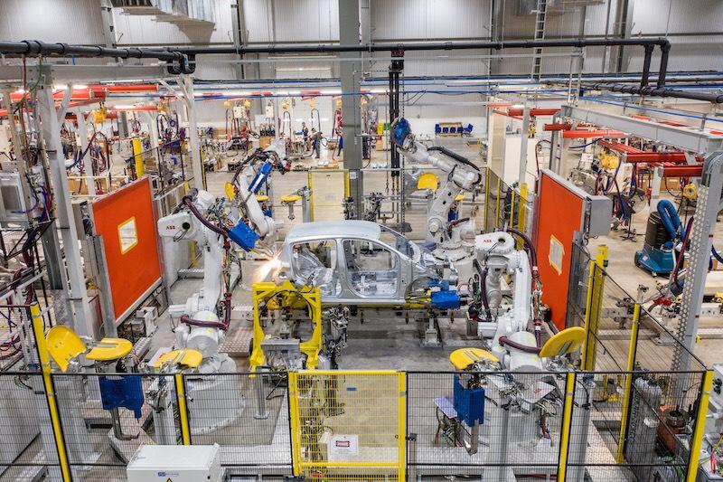 VinFast sở hữu dây chuyền sản xuất ô tô hiện đại hàng đầu khu vực với tỷ lệ tự động hoá trên 90%