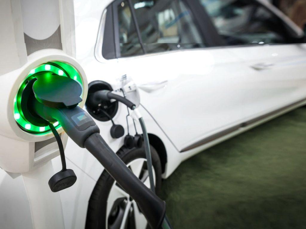 Miễn thuế 10 năm cho các nhà sản xuất ô tô điện tại Indonesia, liệu có khả thi?