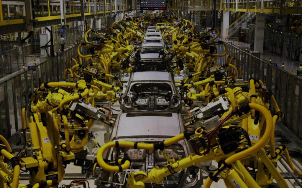 Không chỉ nhà máy Hyundai thiếu chip ô tô, các nhà máy hãng xe khác cũng phải dừng sản xuất vì tình trạng báo động nguồn cung như hiện nay.