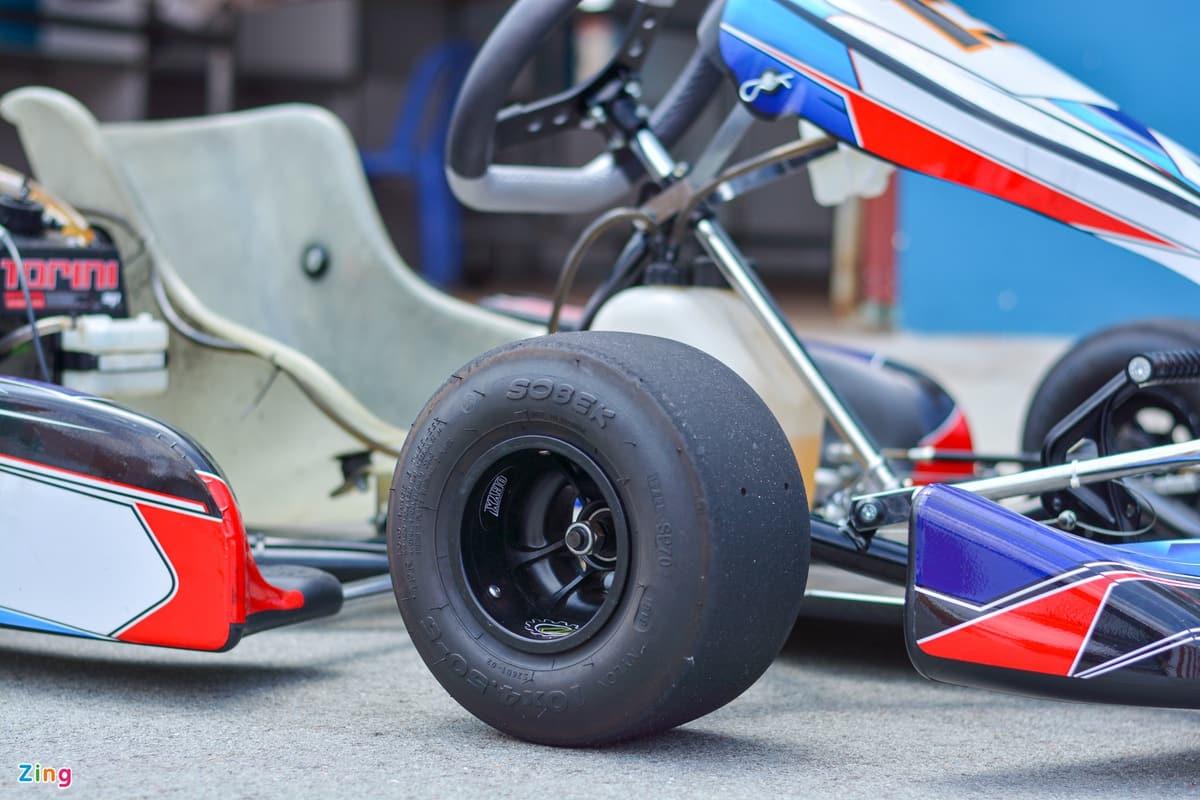 Xe đua Go Kart là gì? Cấu tạo của 1 chiếc xe Go Kart tiêu chuẩn bao gồm những gì?