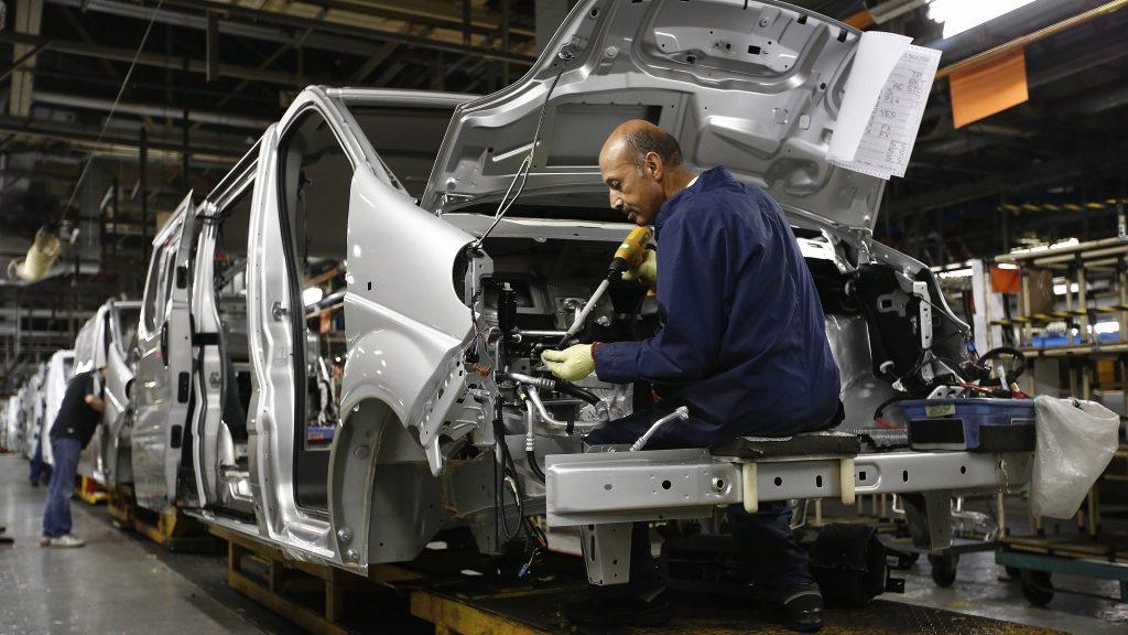 """Báo động tình trạng thiếu hụt chip đẩy ngành ô tô rơi vào """"khủng hoảng"""""""