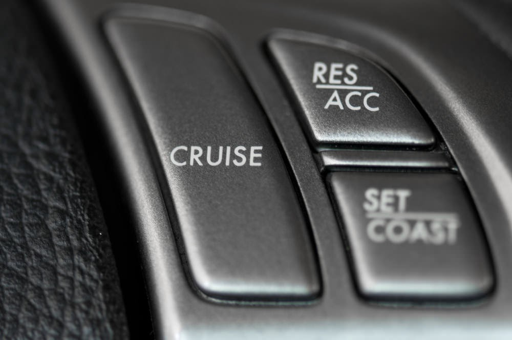 Hệ thống kiểm soát hành trình được trang bị trên hầu hết các dòng xe ngày nay.